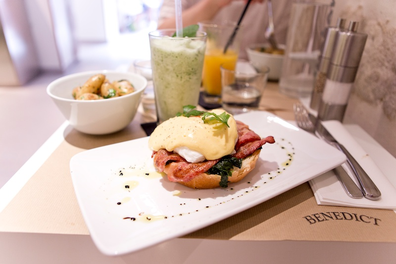Restaurants in Paris | Œuf bénédict at Benedict oeuf benedict, Paris, brunch à Paris, brunch in Paris