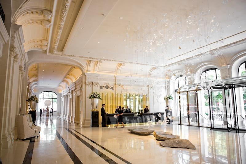 hotel visit at the peninsula paris. Black Bedroom Furniture Sets. Home Design Ideas