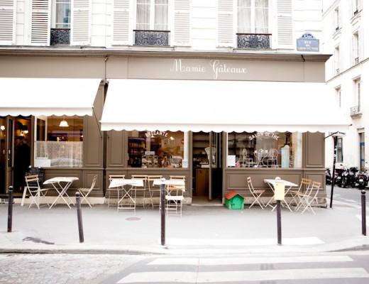 Mamie Gâteaux,café Paris, café, lovely brunch place in Paris, gorgeous café in Paris, must-do in Paris, sightseeing in Paris, where to brunch in Paris, where to eat cake in Paris, cake in Paris, chocolat chaud à Paris, hot chocolate in Paris, cute brunch place in Paris, cute restaurant in Paris, www.thegoldenbun.com
