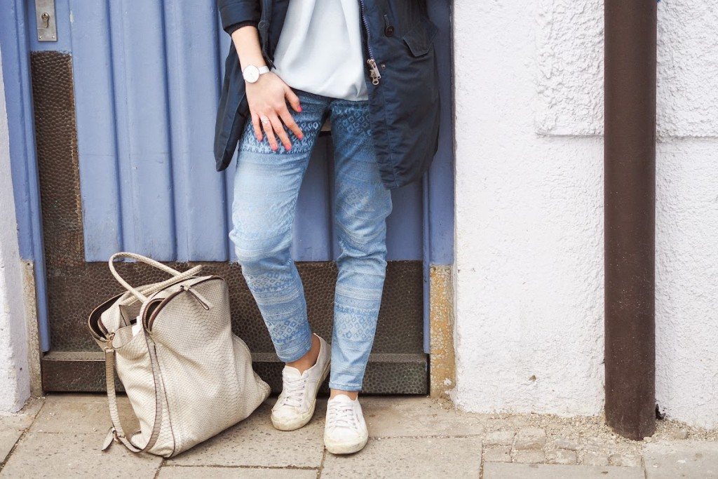 Shades of blue for a casual working look