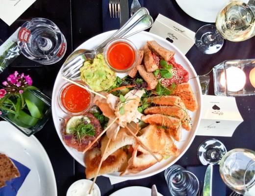 thegoldenbun_heart restaurant & bar3