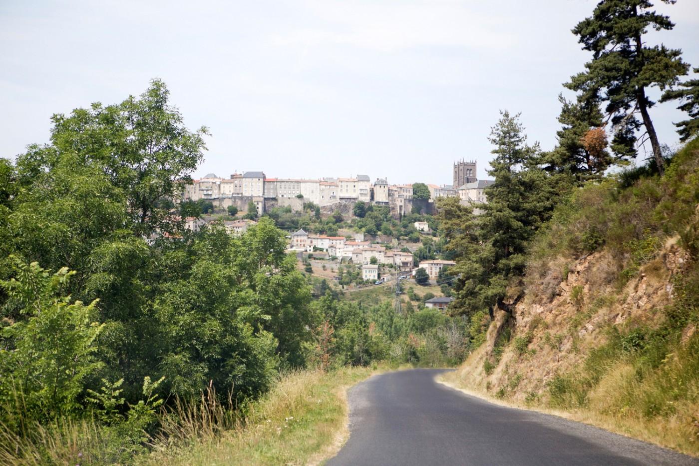 The Golden Bun | Tour de France, Saint-Flour, Lac du Grandval, Auvergne, Cantal, Holiday in France