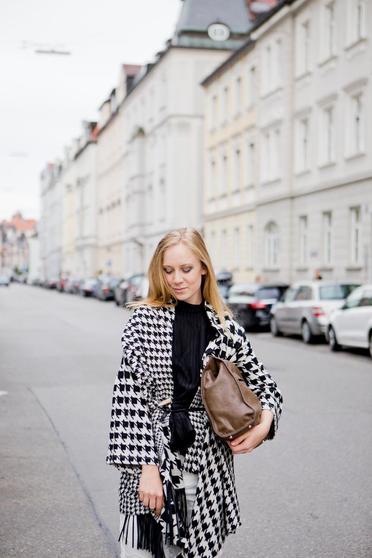 Pied de poule, Manila Grace, Poncho, Autumn Look, Fringe Poncho, Münchner Blog
