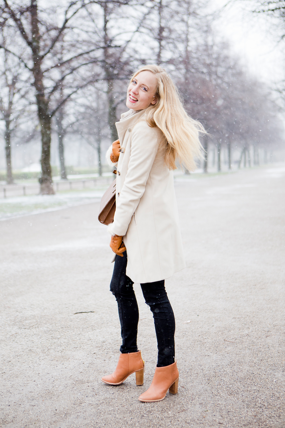 UGG Australia gloves, Ted Baker ankle boots, The Golden Bun | München Modeblog, German Fashion Blog, Fashionblogger, new trends