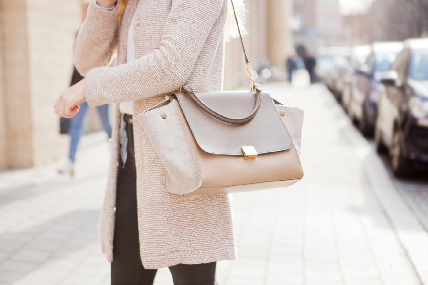 comfortable weekday look, Céline Trapeze Bag, Cozy knit wear look, The Golden Bun   München Modeblog, German Fashion Blog, Fashionblogger, new trends
