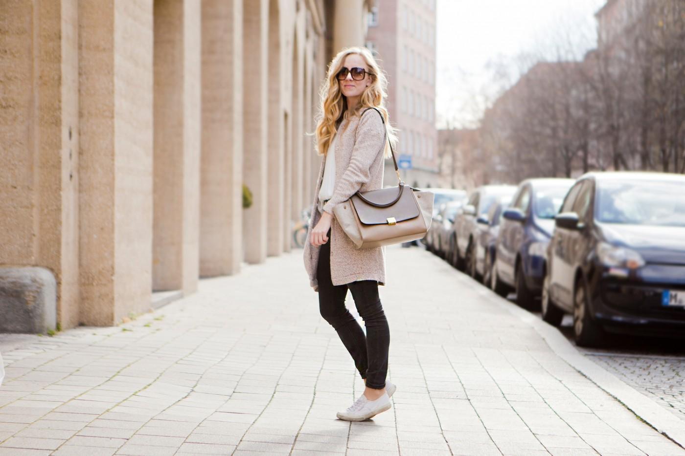 Céline Trapeze Bag, Cozy knit wear look, The Golden Bun | München Modeblog, German Fashion Blog, Fashionblogger, new trends