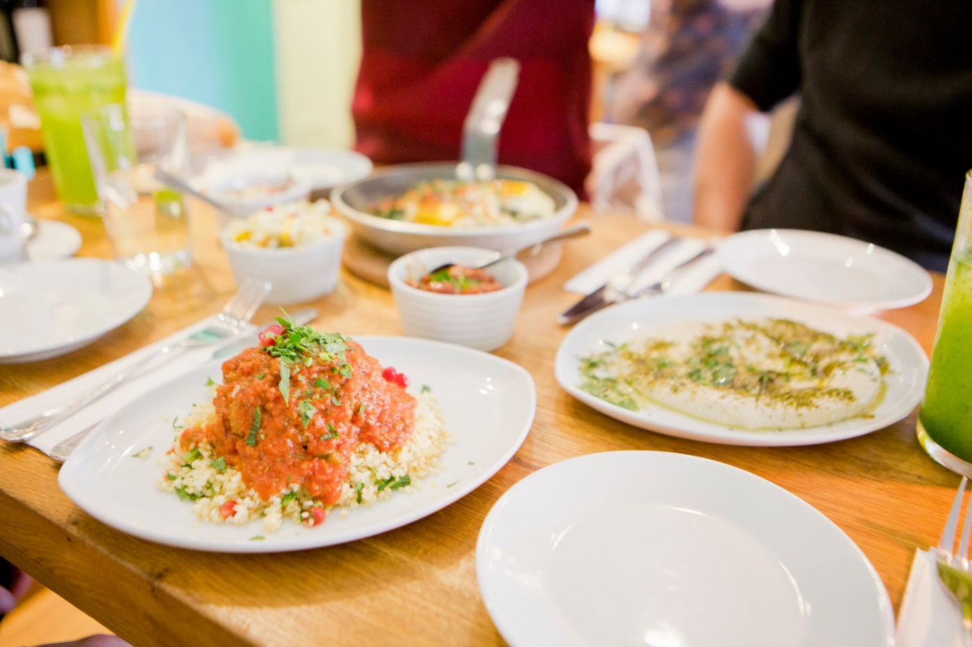 restaurants in munich israeli food at nana meze wine. Black Bedroom Furniture Sets. Home Design Ideas