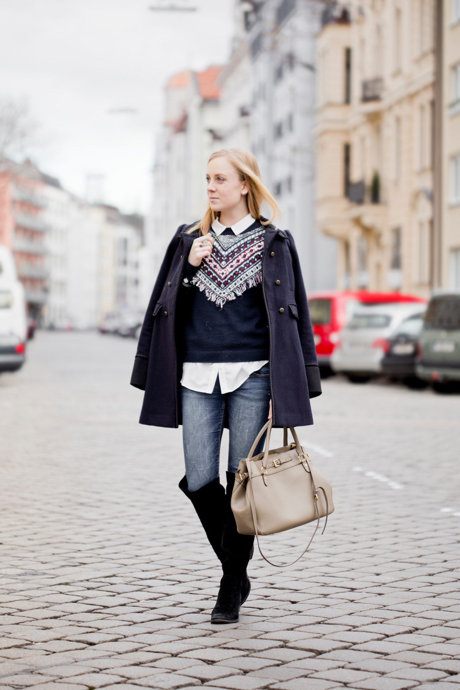 fringe pullover, black suede overknees, how to wear overknees, The Golden Bun | München Modeblog, German Fashion Blog, Fashionblogger, new trends