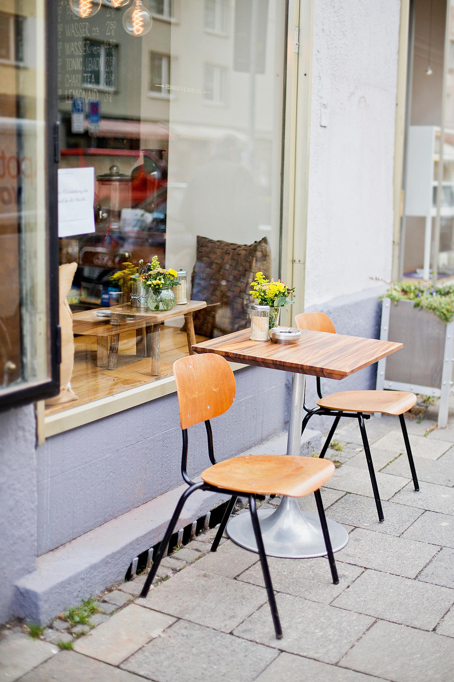 waldmeister münchen | The Golden Bun, Restaurants in Munich, Restaurants in München, Essen in München Eating in Munich, Munich Food