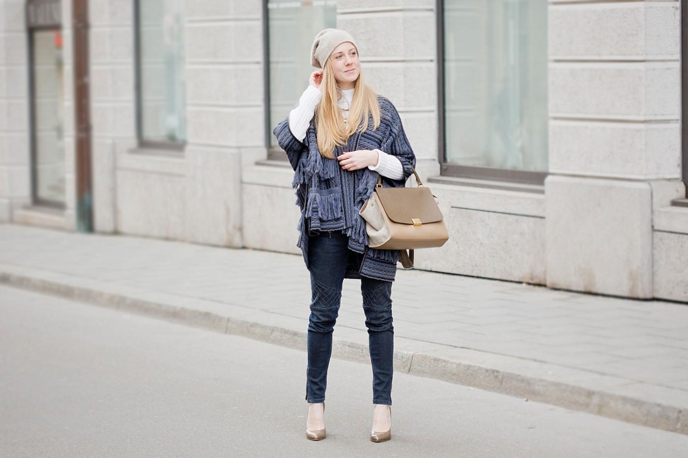 Fringe jacket and biker jeans