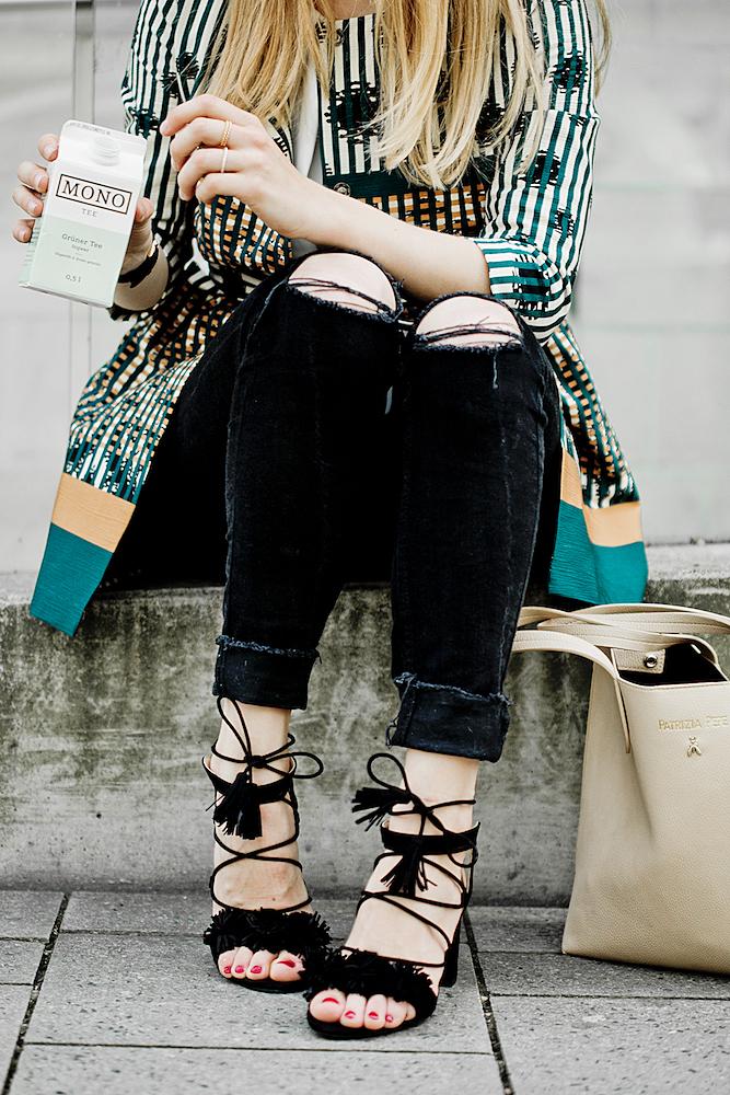 The Golden Bun_Zara fringe sandals_ manila grace spring summer 2016_colorful jacket Manila Grace_ Patrizia pepe nude shopper_KBL Sonnenbrillen_
