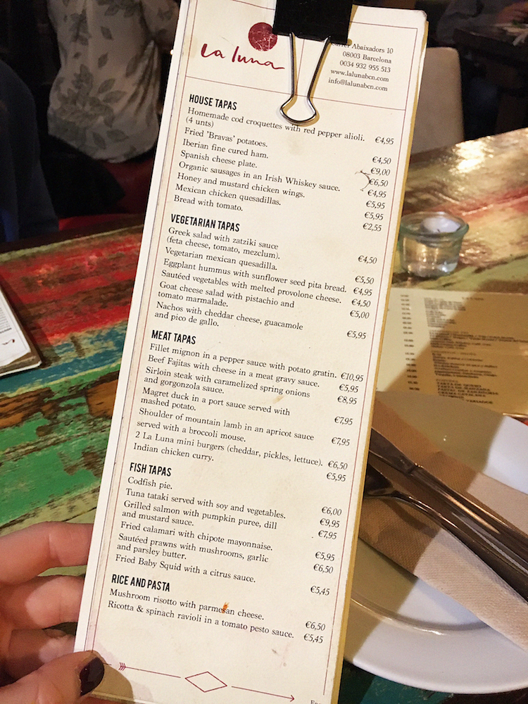 Barcelona Food Guide, la luna tapas barcelona restuarants in barcelona bars10p