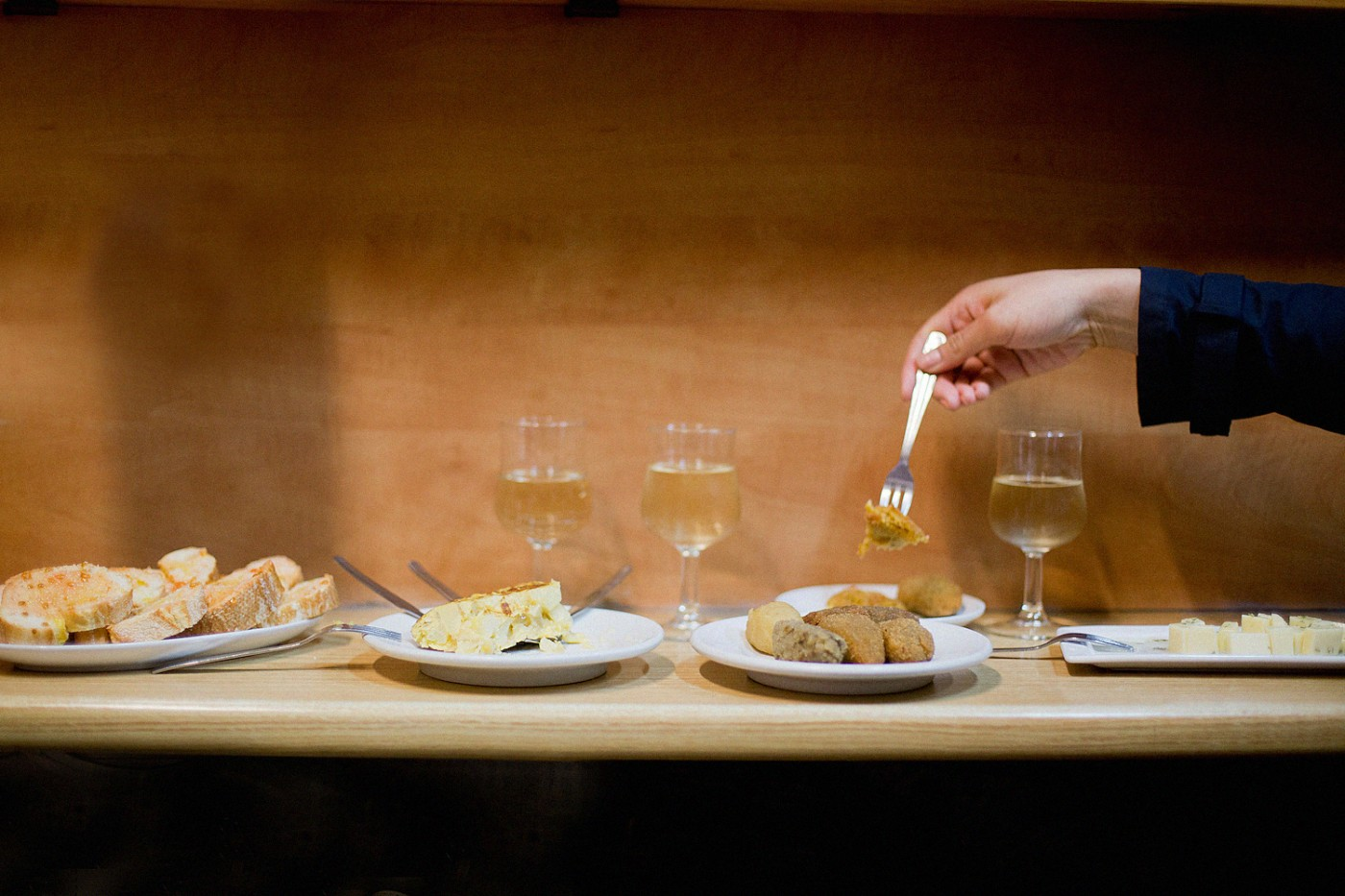 Barcelona Food Guide, Bodega Marin, Tapas in barcelona food, eating in Barcelona, restaurant guide for Barcelona,