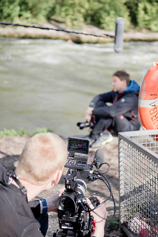 Surfen Eisbachwelle canon eisbach shooting behind the scenes, city surfer canon, canon city surfer, eisbach surfer, eisbach münchen