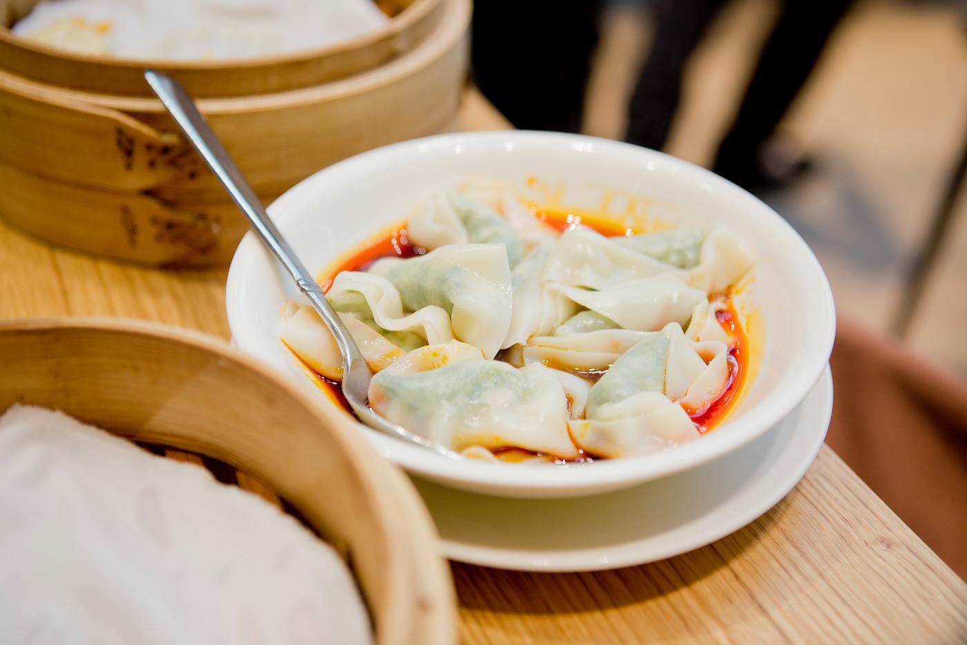 din tai fung dubai _ emirates mall _ eating dubai _ cheap restaurants dubai