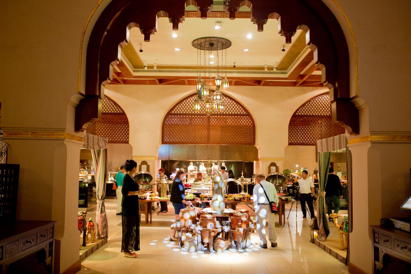 downtown palace hotel _ Ewaan restaurant _ shangri la dubai hotel _ dubai luxury hotel
