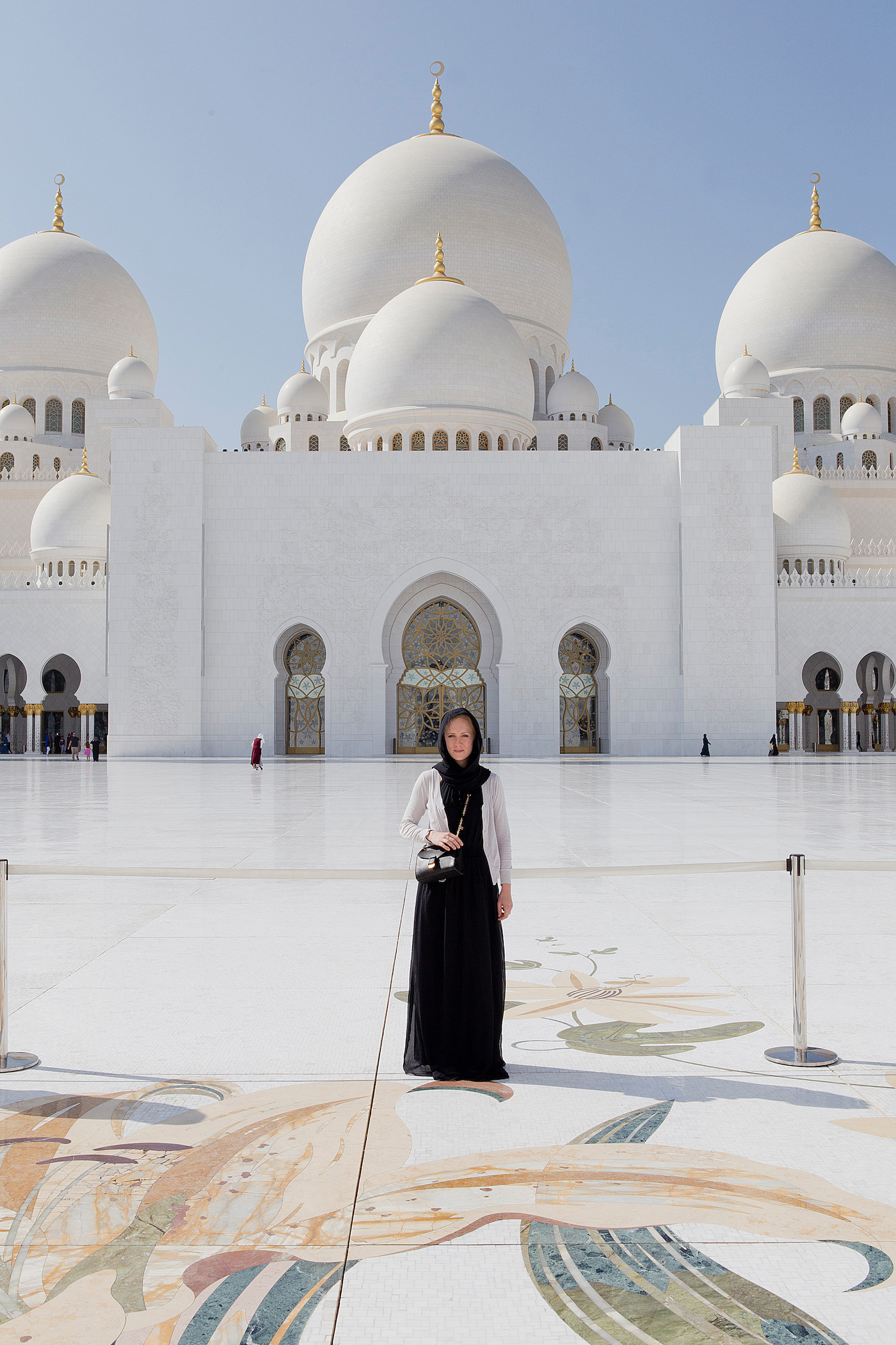 grand zayed mosque abu dhabi One week in Dubai _ Visit Abu Dhabi in one day from Dubai _ visiting Abu Dhabi from Dubai _ Abu Dhabi sightseeing