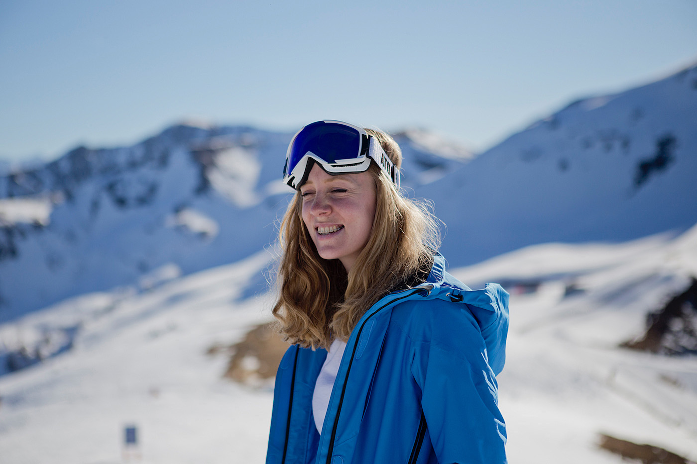 the golden bun – ski look peak performance skijacke