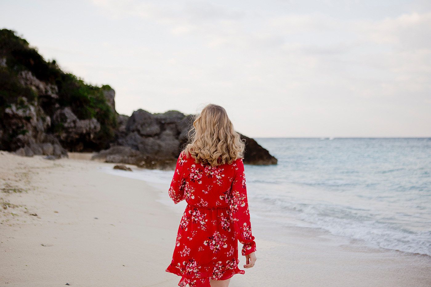 the golden bun - statement earrings, red flower chiffon dress H&M _ okinawa beach