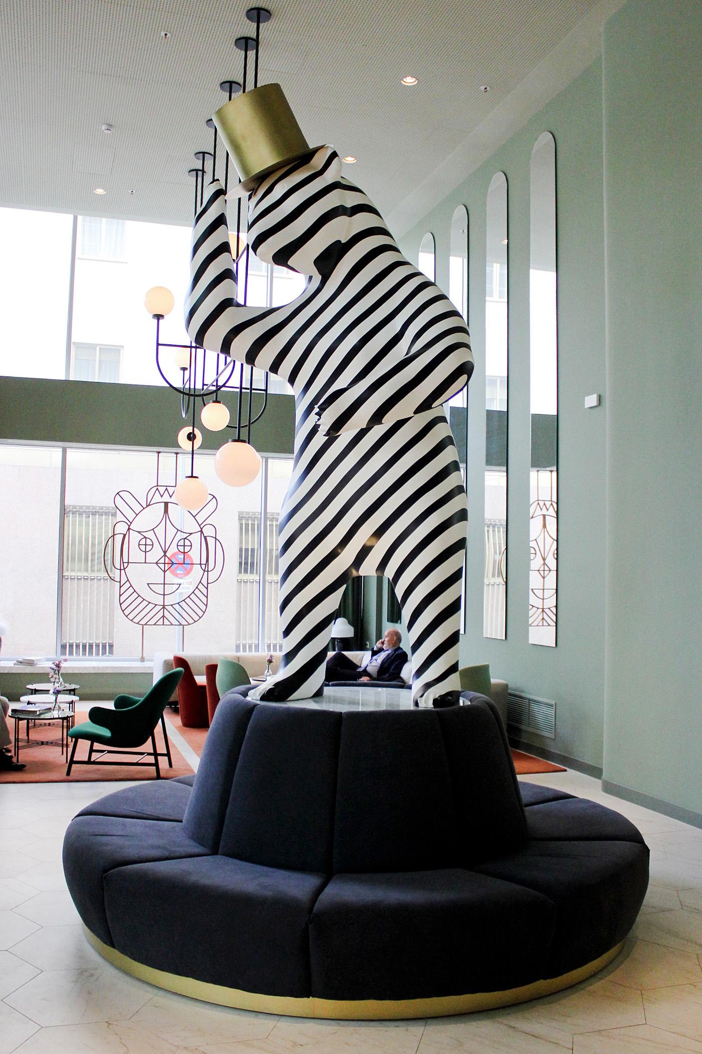 www.thegoldenbun.com |madrid barcelo torre de madrid