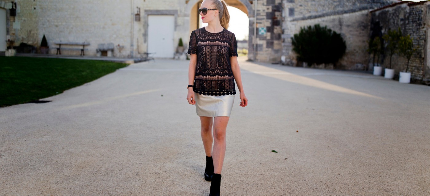 Metallic & lace in Cognac