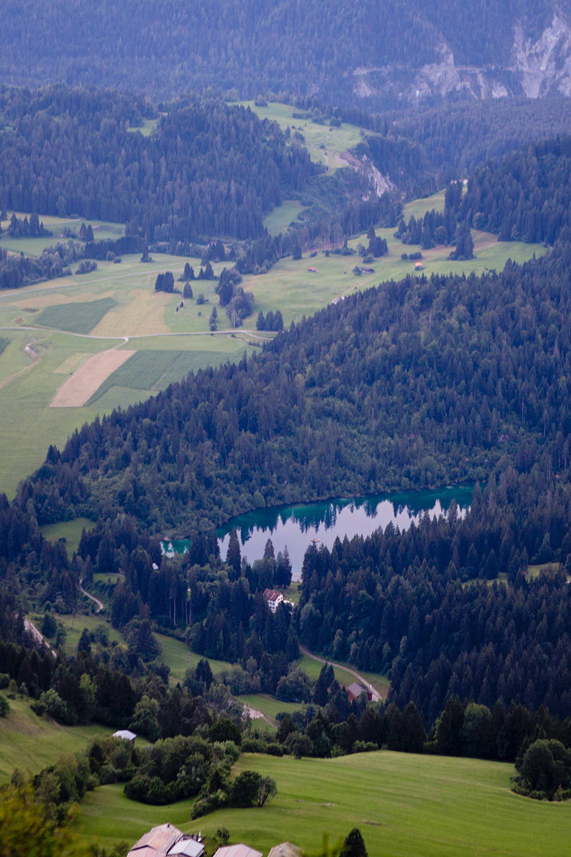 www.thegoldenbun.com | Wandern in Flims, Klettersteig Pinuth, Crestasee Caumasee