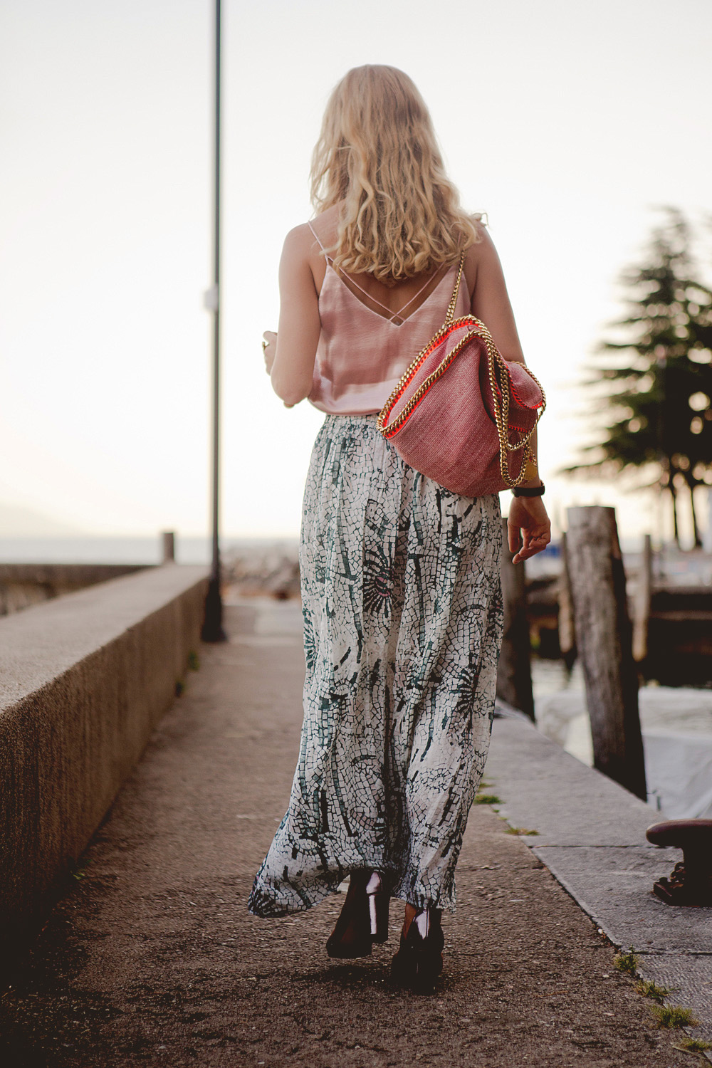 summer look long skirt with pink top