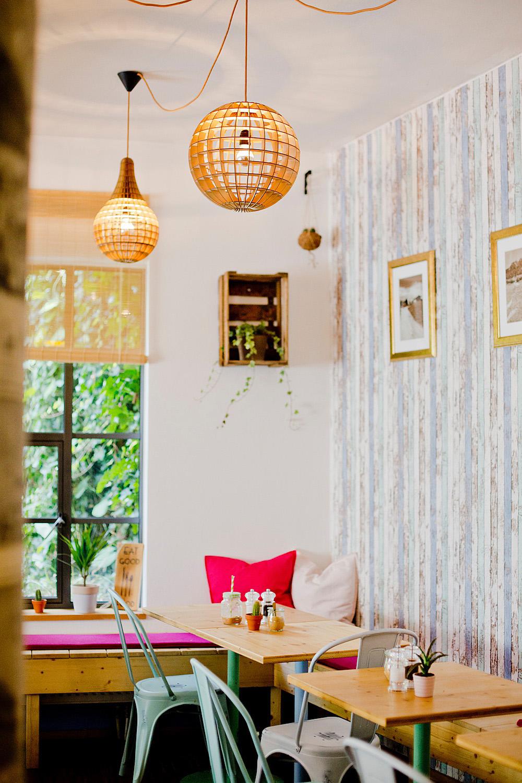 english emmi 39 s kitchen vegetarian restaurant munich vegetarian caf. Black Bedroom Furniture Sets. Home Design Ideas