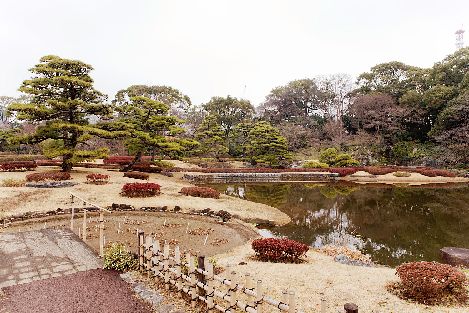 The Golden Bun's Guide to TOKIO | The East Gardens of the Imperial Palace 48 hours in Tokio www.thegoldenbun.com