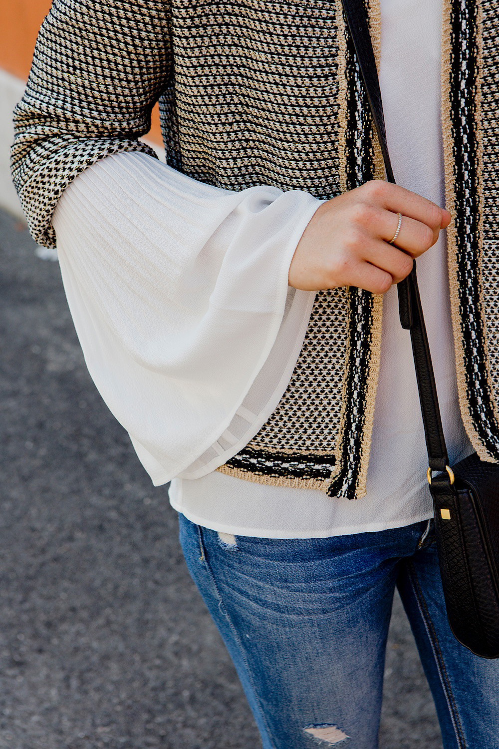 Transition into fall | autumn look inspiration - More & More Bouclé Jacket, white blouse, jeans, Superga