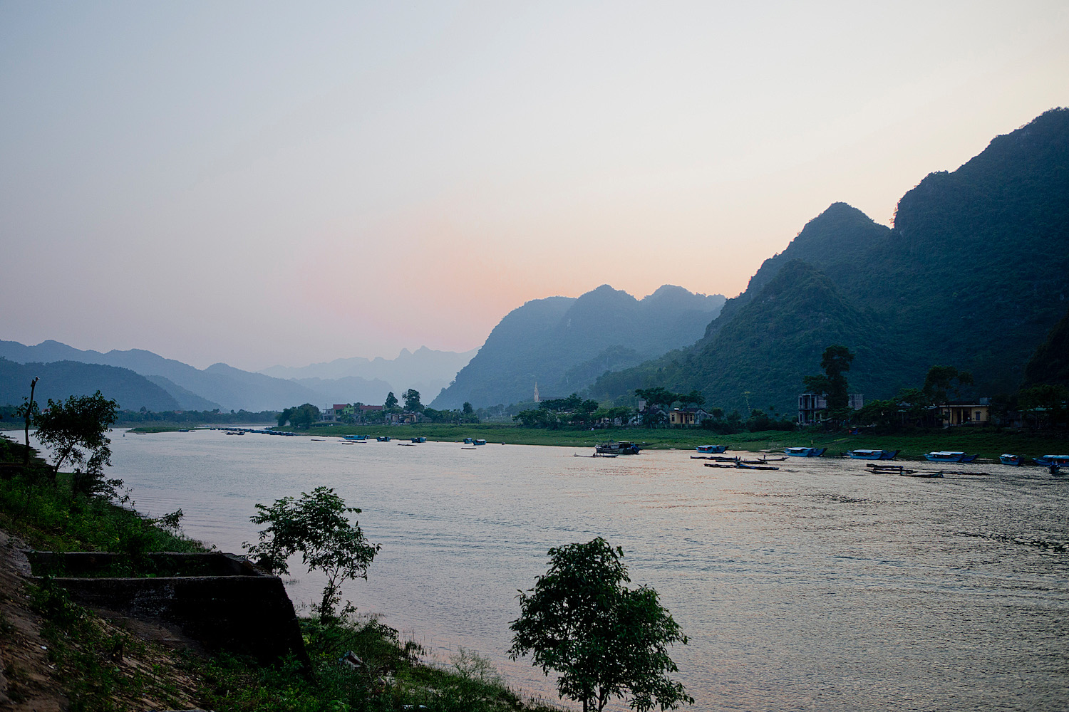 <em>Vietnam Roundtrip Part 3</em> <br>Central Vietnam – most scenic morning &#038; a sea of butterflies