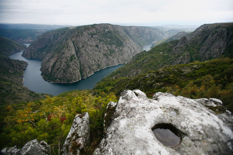 Galicien. Von Natur aus exquisit. Avantgarde aus Tradition, Galicia and Grupo Nove