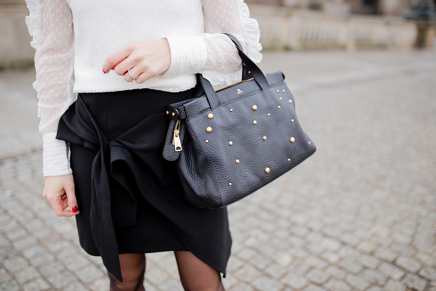 adax bag white blouse business look louboutins