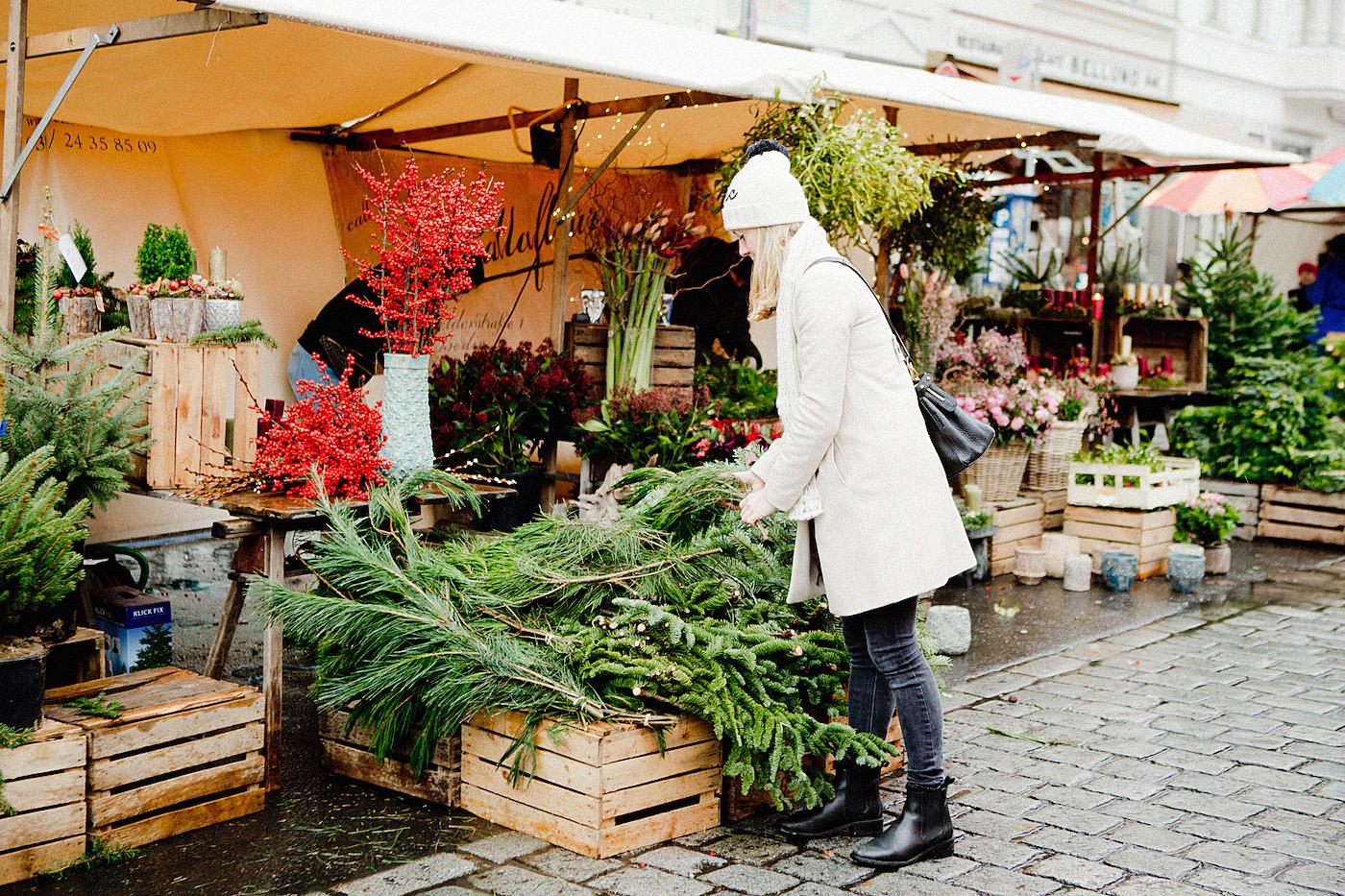 weihnachten mit henkell sekt _ kollwitzmarkt samstag berlin