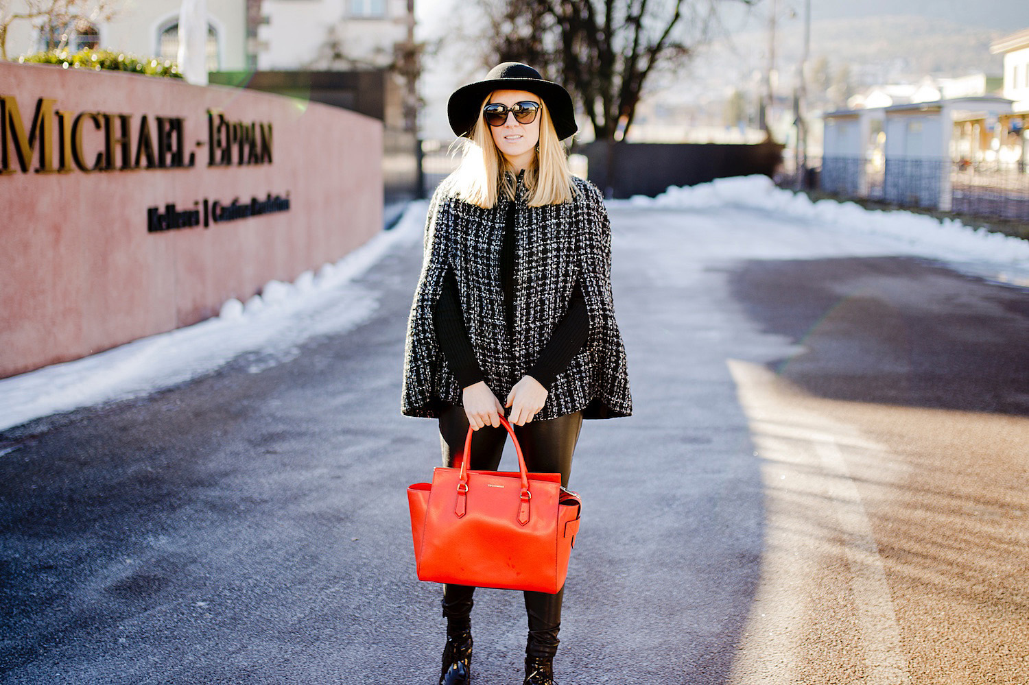 winter outfit inspiration _ winter cape _ orange leather bag coccinelle