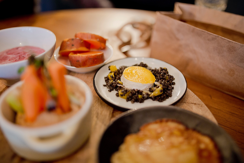 neumond berlin _ brunch in berlin mitte breakfast frühstück