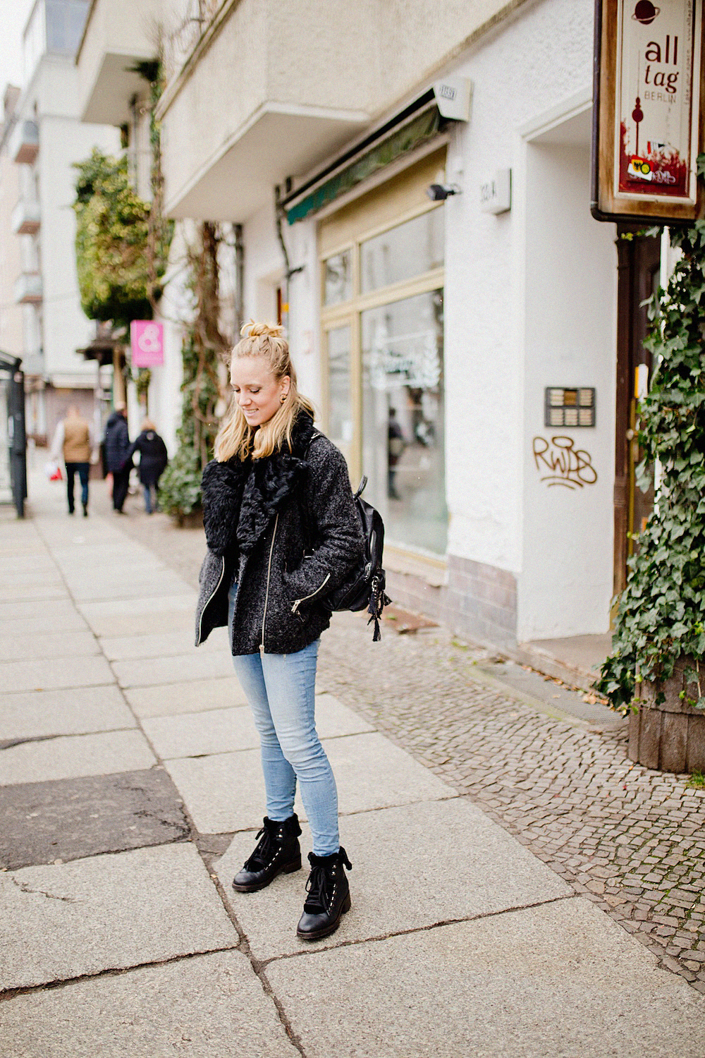 suri frey bag boden boots winter look with jeans