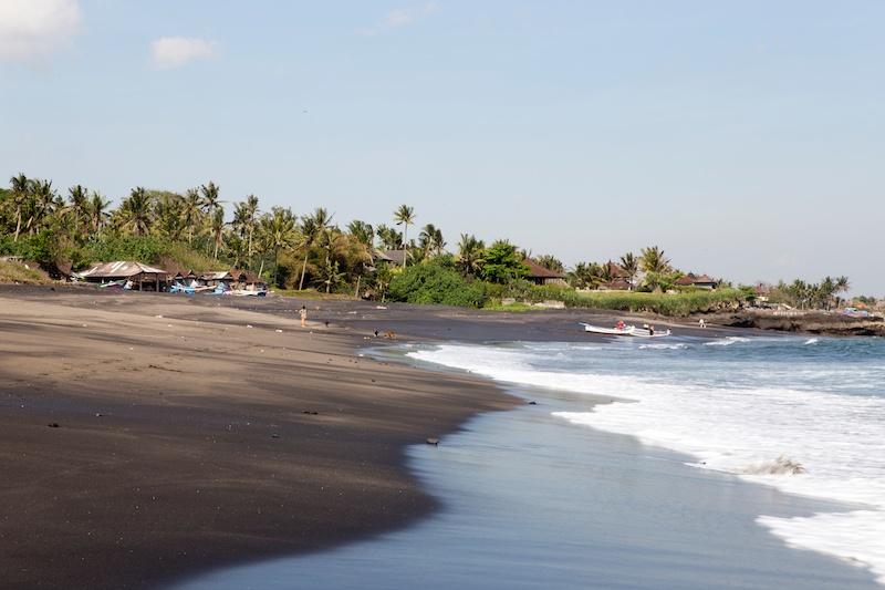 Bali Diary 5 | Tanah Lot, deserted beaches & Seminyak