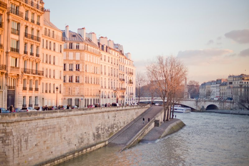 paris 11th arrondissement travel guide