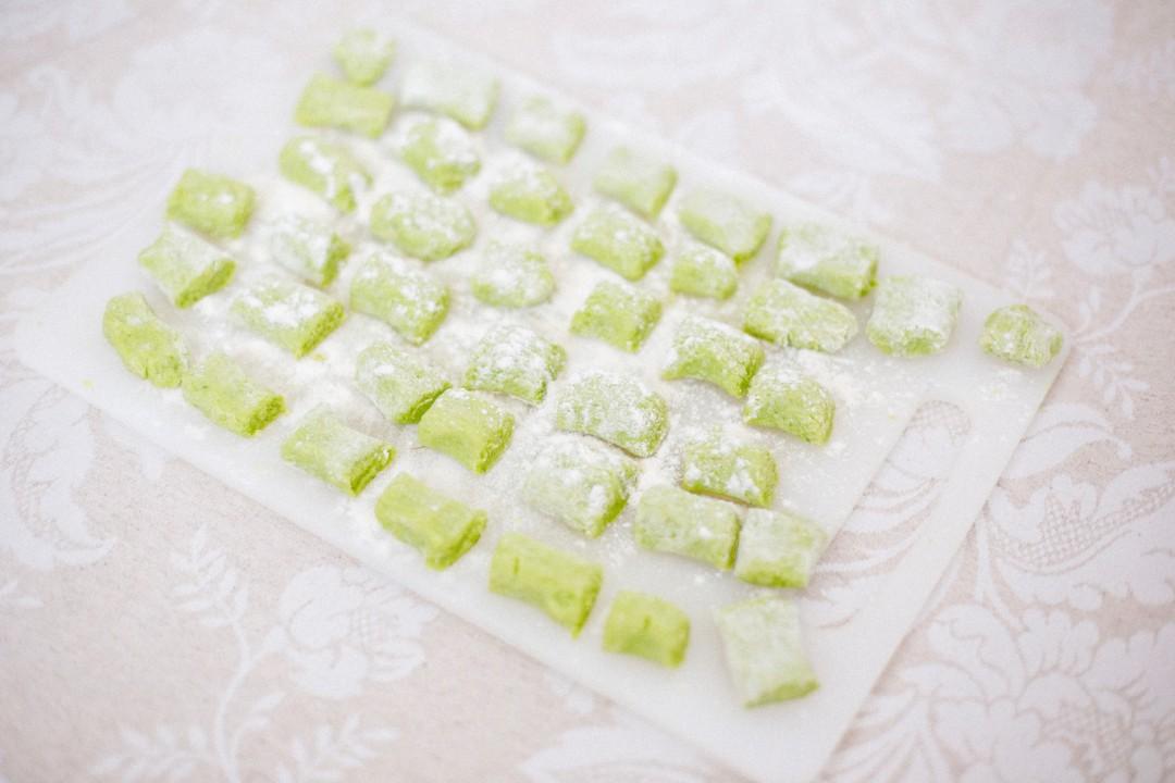 Spring recipe |Wild garlic gnocchi with green asparagus
