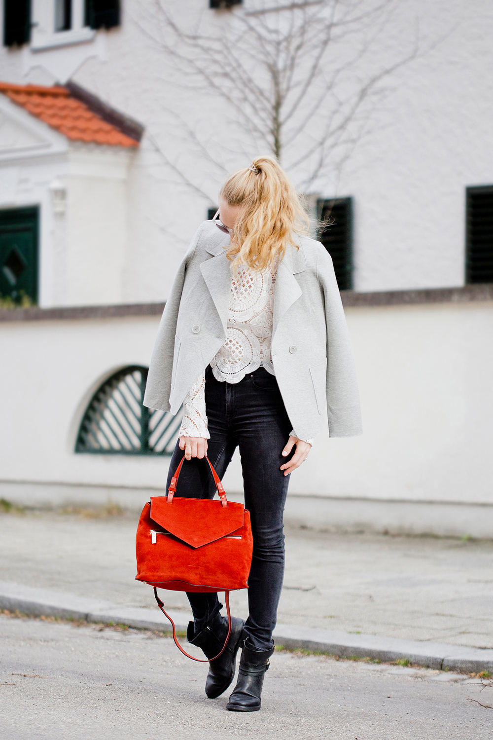 Self Portrait lace blouse, Coccinelle Sophie Chianti bag, The Golden Bun | München Modeblog, German Fashion Blog, Fashionblogger, new trends
