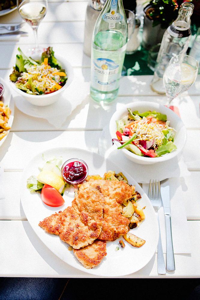 The Golden Bun_bayerisches restaurant leib und seele münchen gasthaus_Restaurants in München_Restaurants in Munich_Essen in München Eating in Munich_Munich Food