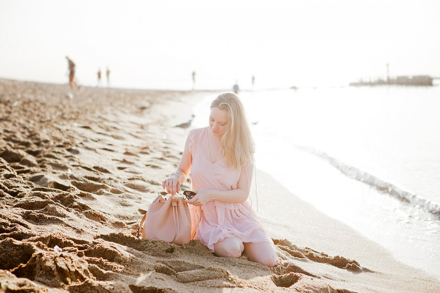 mango chiffon dress _ coccinelle bucket bag _ barceloneta beach