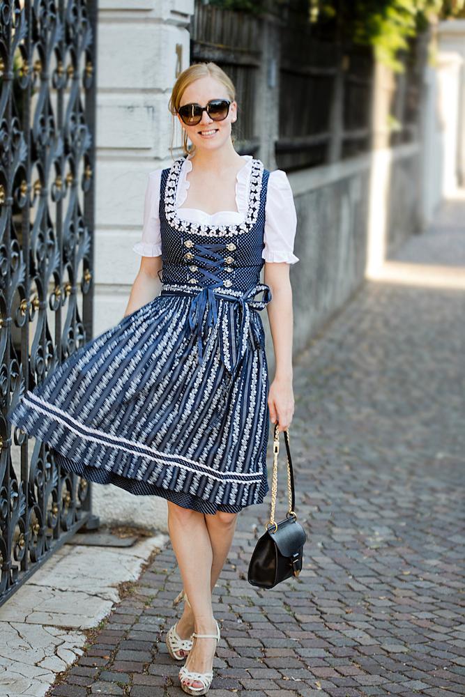 dirndl zalando _ Almsach Lola Dirndl _ dirndl styling5 - The Golden Bun