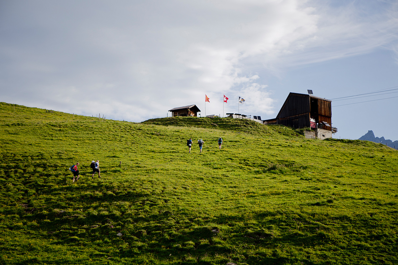 Klettersteig Flims : Thegoldenbun wandern in flims klettersteig pinuth