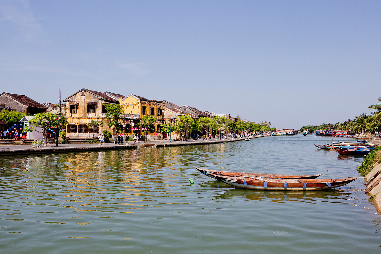<em>Vietnam Roundtrip Part 5</em> <br>Hoi An: the mecca for tailoring &#038; the best Banh Mi Phuong