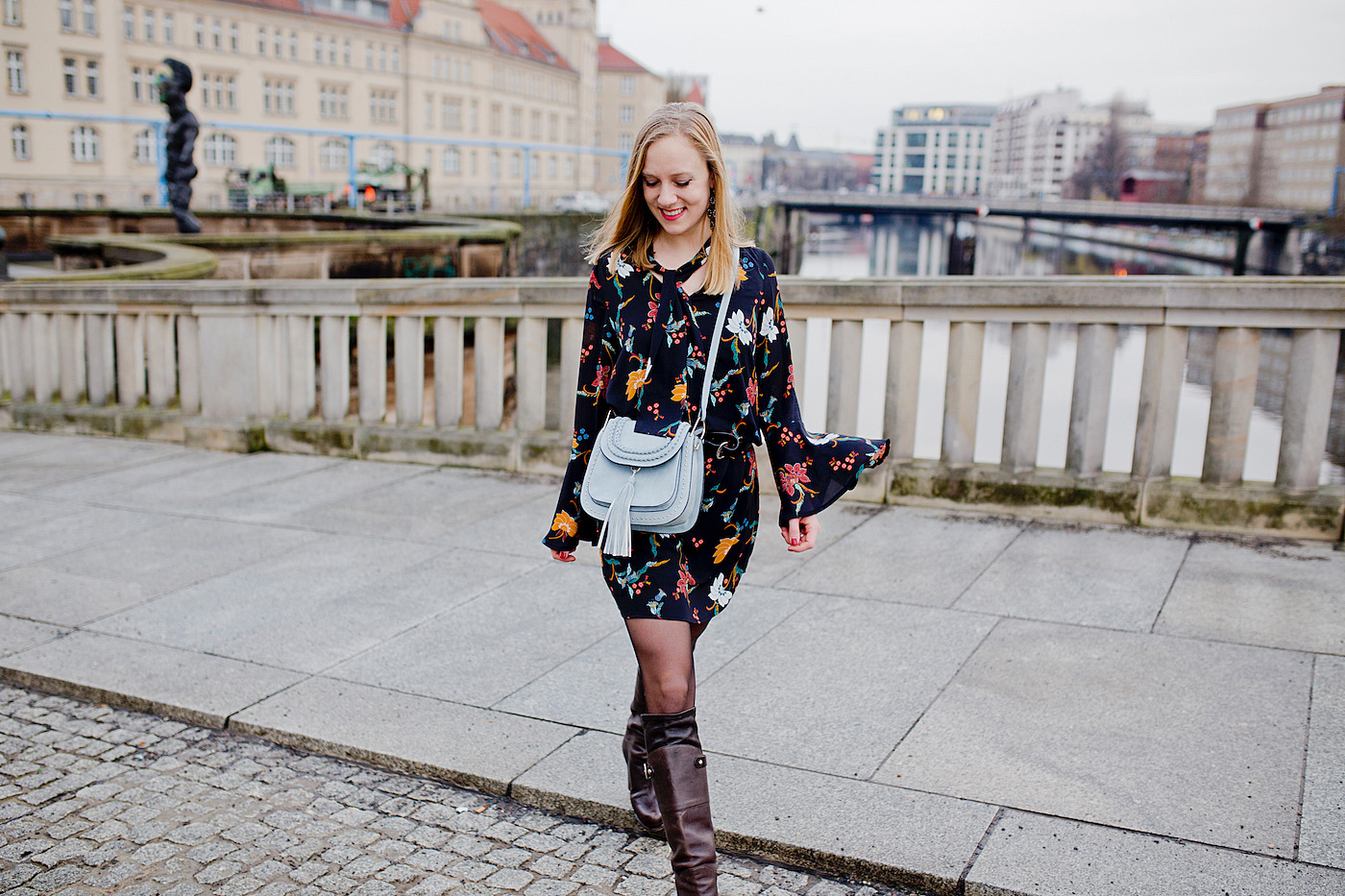 Back in Berlin – a winterly flower dress & brown boots