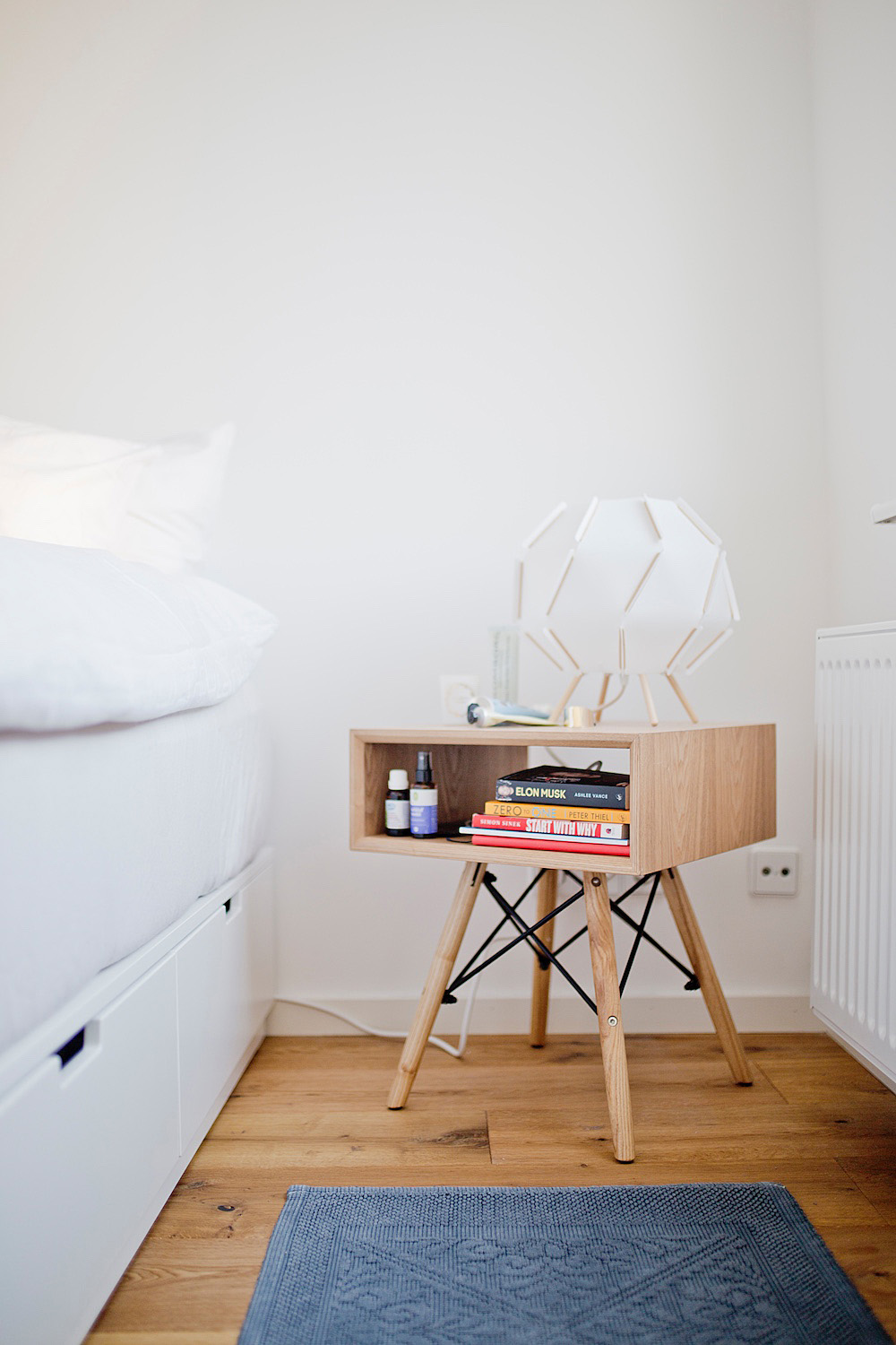 wohnen in berlin _ living in berlin - beautiful bedside table