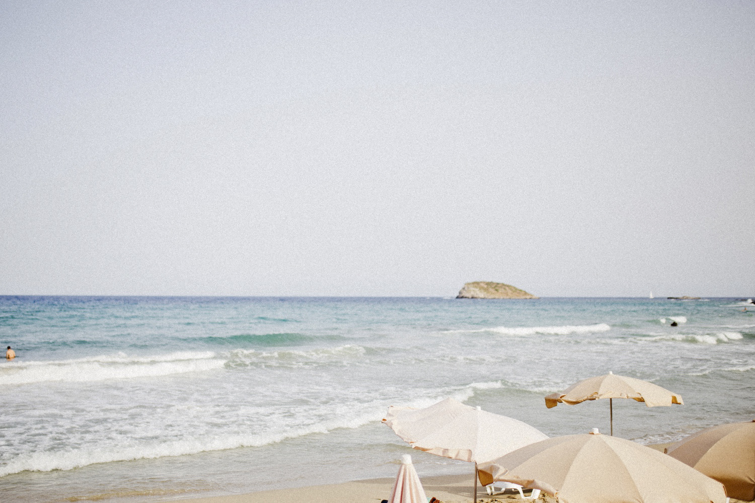 Cala Nova ibiza girls trip _ restaurants on ibiza beach club