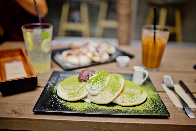 Cafés Tokyo breakfast places coffee shops_01_urasando-garden 裏参道ガーデン fluffy pancakes in Tokyo